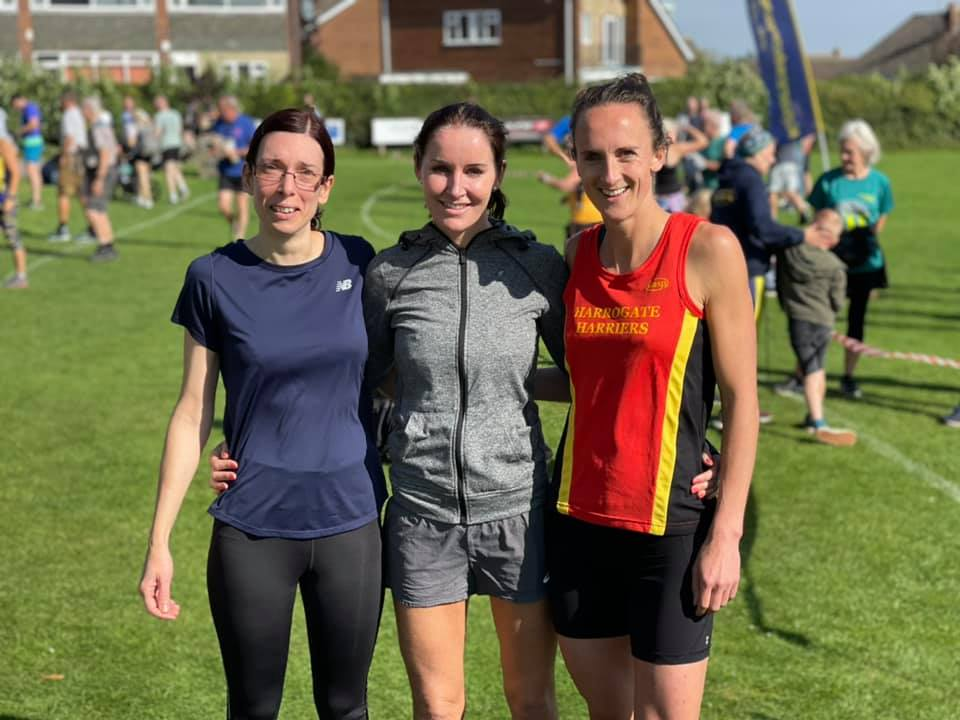 Vicky Shaw (3rd), Sharon Barlow (1st), Issy Rowe (2nd)